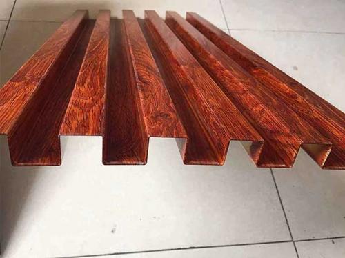 凹凸长城仿木纹铝板